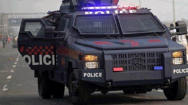 One officer killed as Police arrest 49 shiites after violent protest