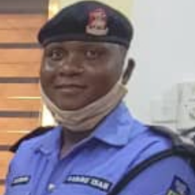 Police Sergeant Returns N1.2m Found at the Scene of Accident