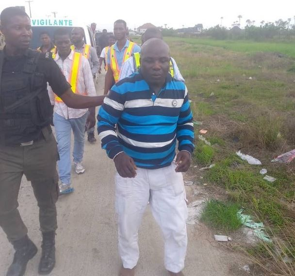 Sanitation Officer Arrested For Allegedly Attempting To Extort Bayelsa Governor's Aide (Photos)