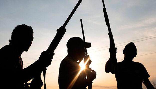 Scores of gunmen in buses attacked Akwa Ibom police station