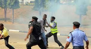 Shiites kill policeman as Police nab 49 for 'violent protest'