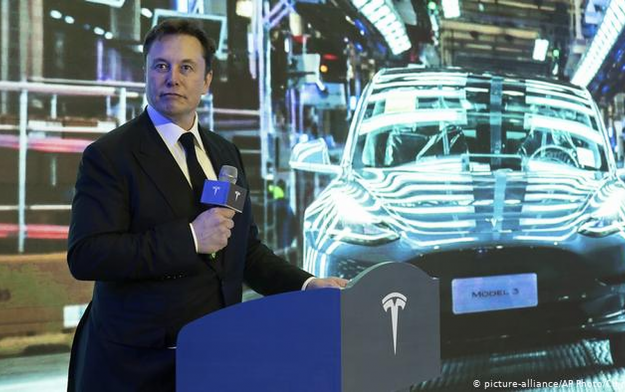 Spacecraft manufacturer Elon Musk invests in Nigeria, gives MainOne, others a run