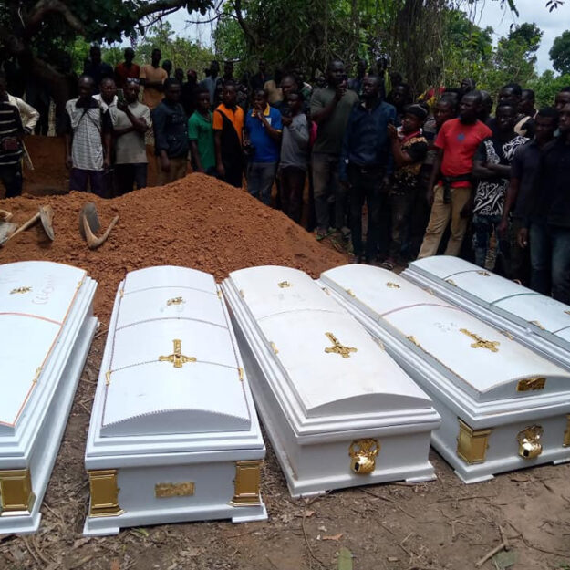 Tears Flow As Victims Of Herdsmen Attacks Are Buried In Benue (Photos)