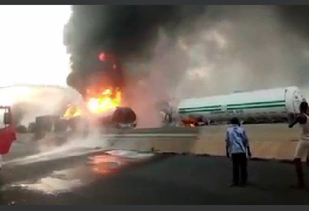 Two dead, 13 vehicles destroyed in Lagos-Ibadan expressway tanker explosion