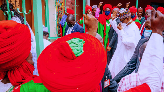 'Keep your cheque', President Buhari tells businessmen to remember the needy