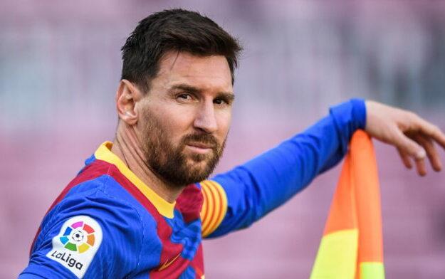 Messi returns to Barcelona to end contract saga