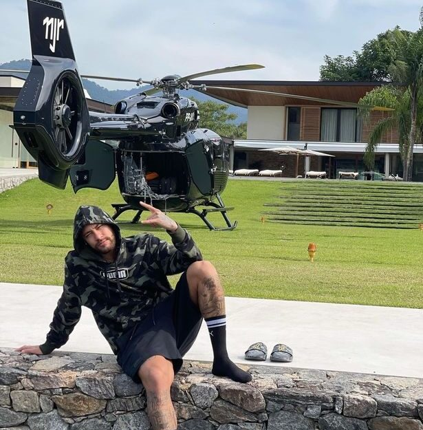 Neymar Shows Off His Customized N5.7bn Mercedes Helicopter (Photo)