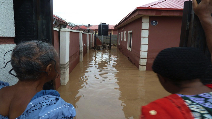 Four Dead, Others Missing As Flood Sweep 26 Vehicles, 166 Houses In Abuja [Photos] 1