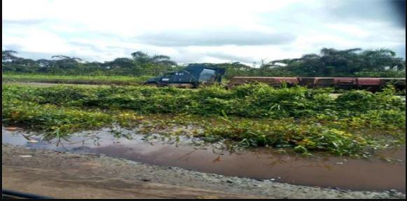 Gridlock As Two Fallen Fuel Tankers Spill Contents On Warri-Benin Expressway