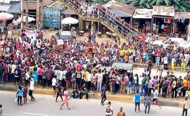 Policemen Rape Three Students, Abia Poly Students Protest (Photos)