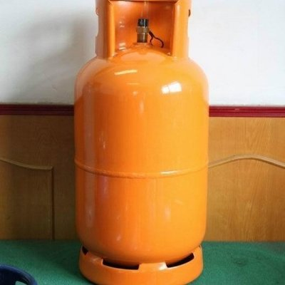 See how to check the level of your cooking gas left using warm water