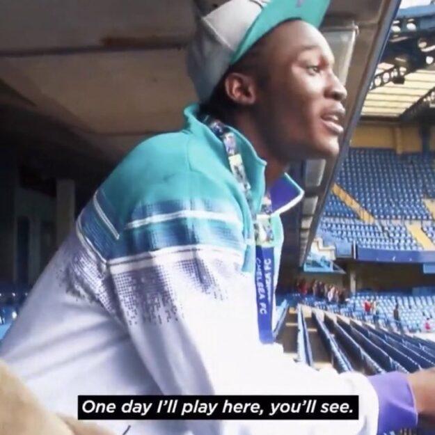 Why does Romelu Lukaku always kiss the Chelsea badge anytime he scores?