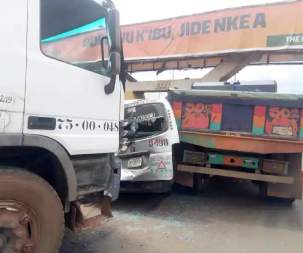 35 escape as 4 vehicles crash in Anambra