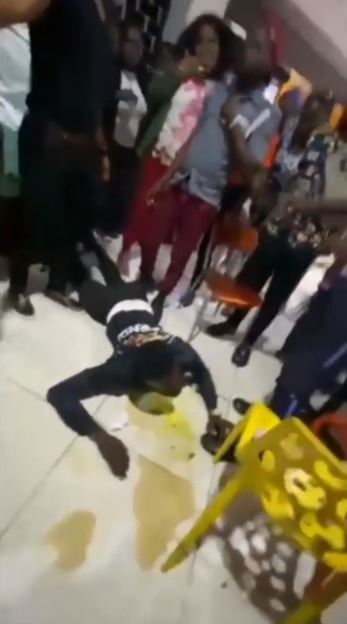Tension As Man Throws Up After He Was Forced To Consume A Friend's Drink That He Was Allegedly Caught Poisoning (Video)